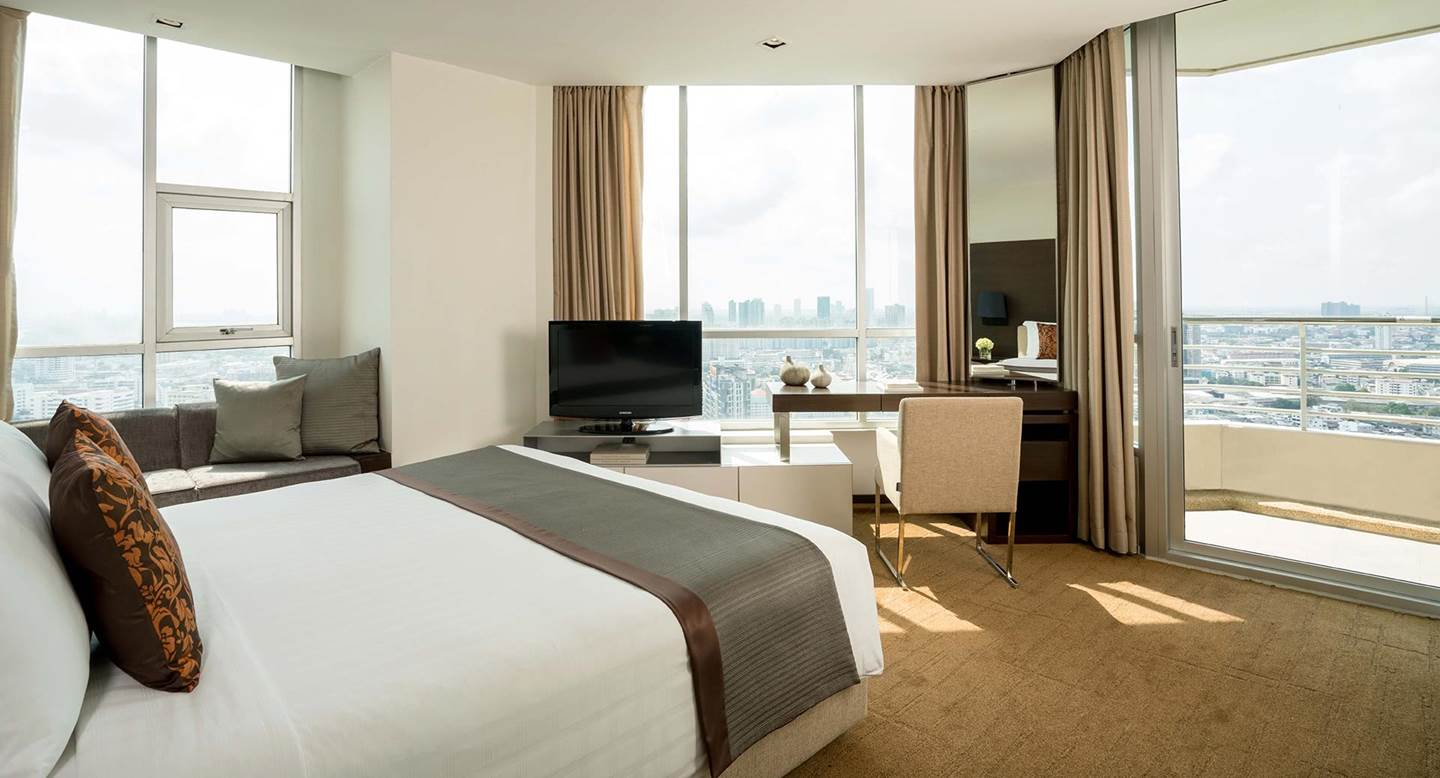 Anantara_Sathorn_Bangkok_Kasara_One_Bedroom_Suite_Master_Bedroom_01_1920x1037