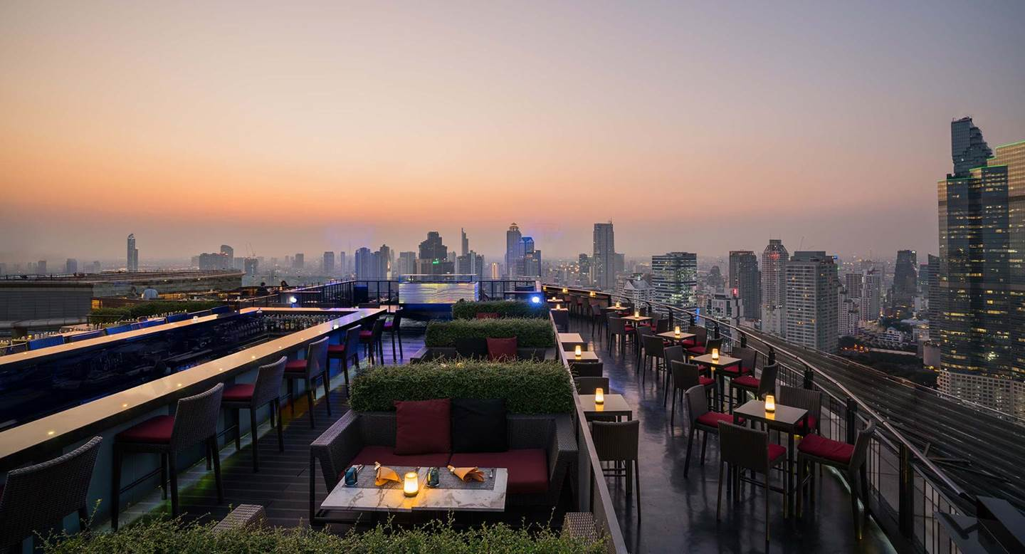 Anantara_Sathorn_Bangkok_ZOOM_Sky_Bar_Overview_1920x1037
