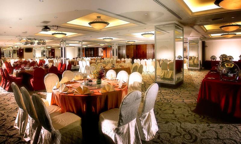 Parkroyal Kitchener Road Singapore Luxury Hotels Hays