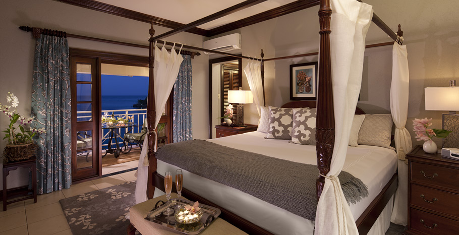 Royal Oceanfront One Bedroom Butler Suite   1R   1